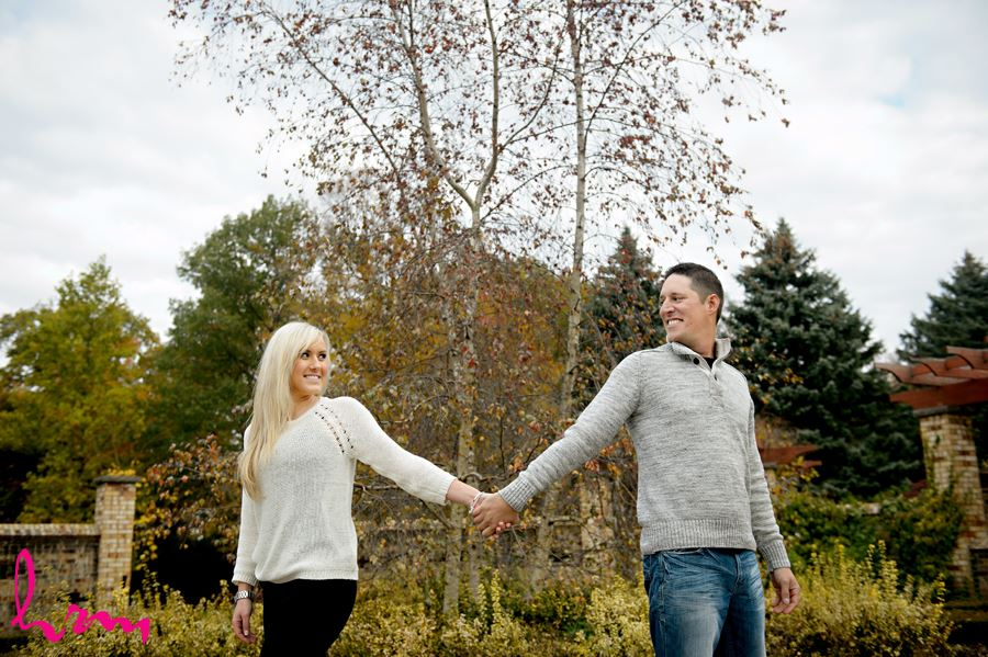 Beautiful engagement photos at the Civic Gardens in London Ontario