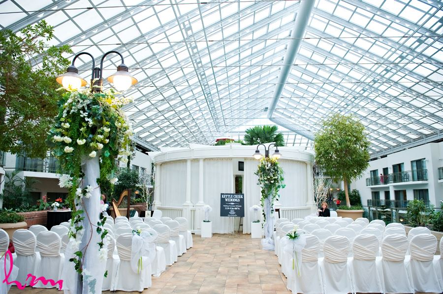 Small wedding chapels in london ontario for Cheap wedding venues ontario