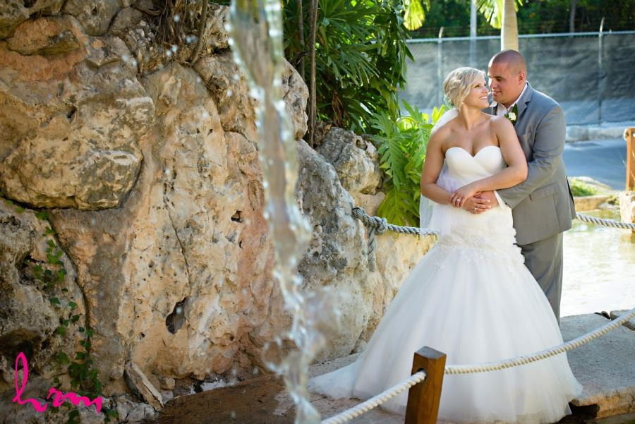 Bride and groom destination wedding images Mexico