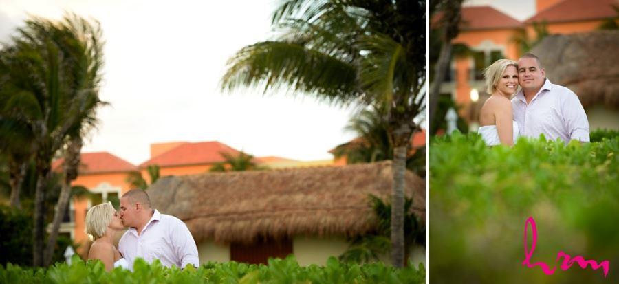 Bride and groom destination wedding Ocean coral and Turquesa - Puerto Morelos, Mexico