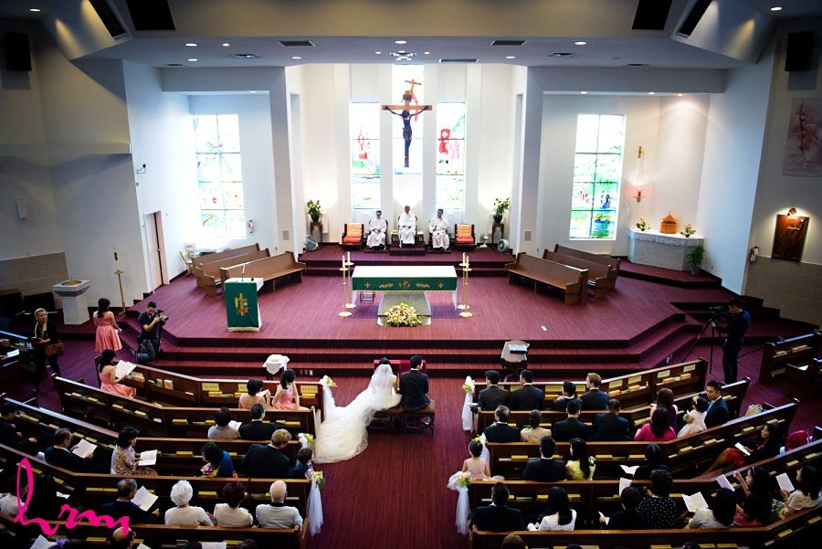 The ceremony at Chinese Martyrs Catholic Church Toronto ON Wedding Photography