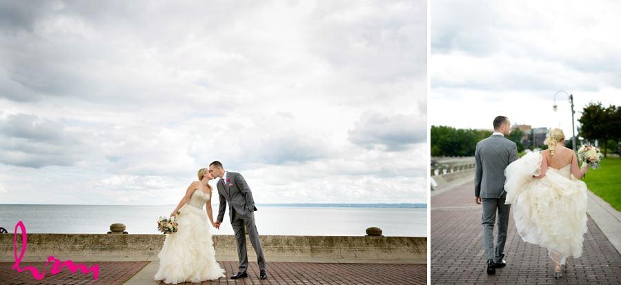 Burlington Ontario bride and groom wedding picture location