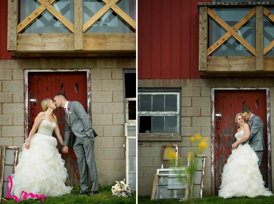 Waterdown Ontario Burlington barn wedding day pictures