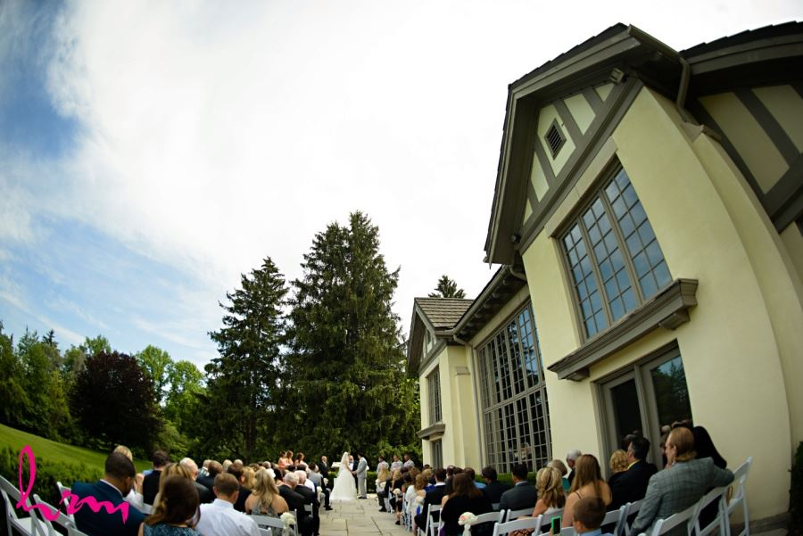 Windermere Manor London Ontario outdoor wedding ceremony on patio